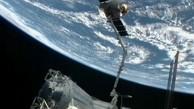 Dragon dockt von der ISS ab