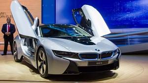 Manuel Sattig über den BMW i8 - Interview (IAA 2013)