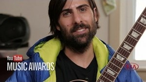 Jason Schwartzman kündigt Youtube Music Awards an