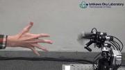 Roboter gewinnt immer bei Schere, Stein, Papier
