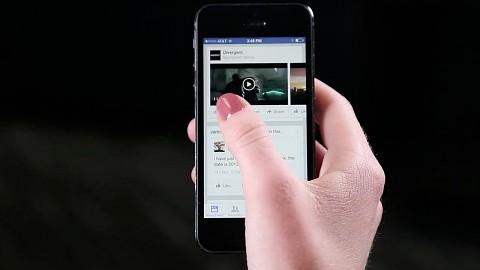 Facebook mit Autostart-Videos im Newsfeed