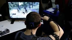 Der Ganzkörper-Tracker PrioVR in Aktion (CES 2014)