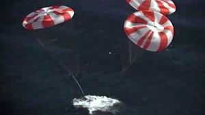 Fallschirmtest der Raumfähre Dragon