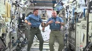 ISS-Astronauten mit Schülern aus Virginia im Gespräch