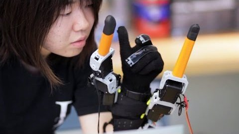 Supernumerary Robotic Fingers - MIT