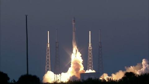 DSCOVR startet mit SpaceX Falcon 9