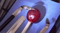 Da Vinci Surgery - Weintraube zusammennähen