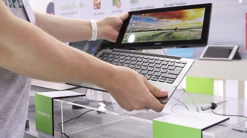 Acer Switch 11 V - Hands on (Computex 2015)