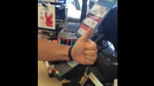 Nymi - Kreditkartentransaktion mit Herz