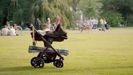 VW Niederlande zeigt autonomen Kinderwagen