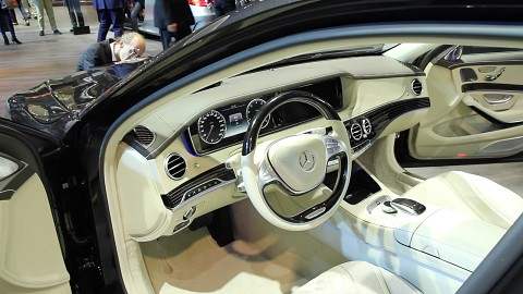 Car-Entertainment-Systeme angesehen (IAA 2015)