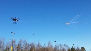 Drohne fängt Drohne - MTU