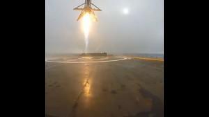 Falcon 9 kippt um (Video von Elon Musk)