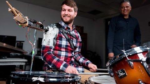 Schlagzeuger mit Roboterarm - Georgia Tech