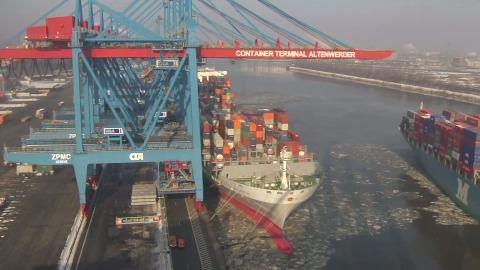 Containerumschlag im Zeitraffer (HHLA)