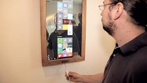 Digitaler Spiegel Dirror angesehen