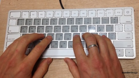 Sonder-Tastatur mit E-Ink-Tasten (Herstellervideo)