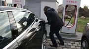 Tesla Supercharger ausprobiert