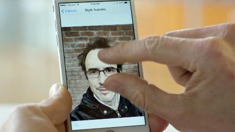 Adobe-Selfie-App (Herstellervideo)