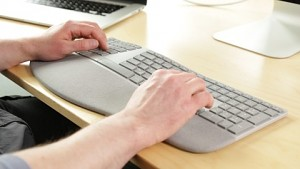 Surface Ergonomische Tastatur - Test