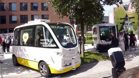 Busprojekt von Charité und BVG in Berlin angesehen