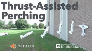 Drohne krallt sich an der Wand fest - Sherbrooke Uni
