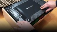 Golem.de packt die Xbox One X aus (Livestream)