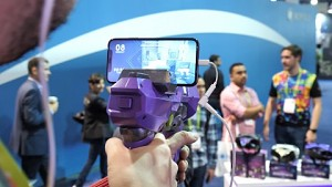 Merge 6DOF Blaster - Hands on (CES 2018)