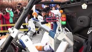 PyeongChang 2018 - Roboter beim Fackellauf