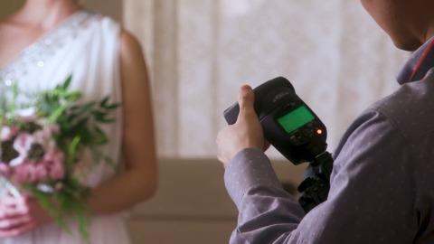 Canon Speedlite 470EX-AI Intelligent Bounce (Herstellervideo)