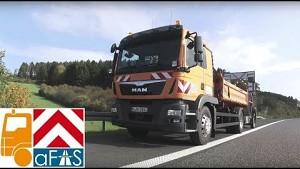 Autonom fahrender Lkw sichert Baustellen ab