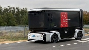 5G Hologramm im selbstfahrenden Auto (Firmenvideo)