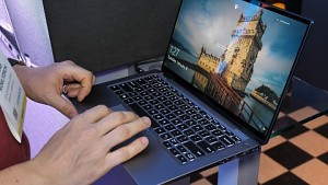 Dell Latitude 7400 - Hands on (CES 2019)