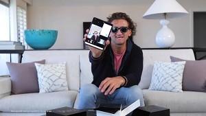 Youtuber packen das Samsung Galaxy Fold aus