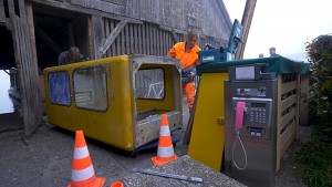 Die letzte gelbe Telefonzelle wird abgebaut (Telekom)