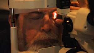 Die FDA informiert über die Risiken von LASIK (englisch)