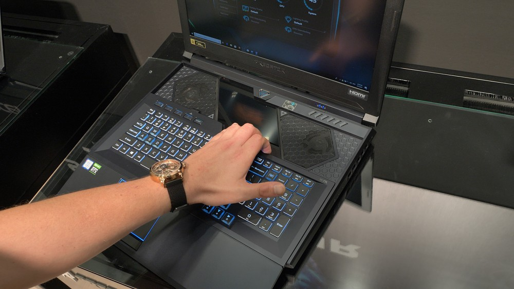 Acer Predator Helios 700 - Hands on (Ifa 2019)