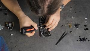 Golem.de baut das Makerphone zusammen (Zeitraffer)