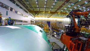 Roboter bauen die 777 - Boeing