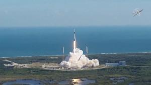 Start der 19. Versorgungsmission von SpaceX