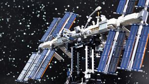 Golem.de baut die ISS aus Lego zusammen