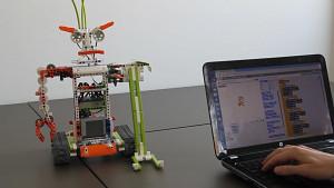 Roboter programmieren mit S-Brick und Scratch