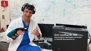 Neurowissenschaftler Eric Leuthardt erklärt Ipsihand