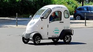 Mini-Auto Enuu Probe gefahren