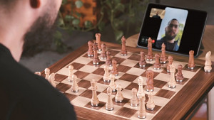 Phantom - Trailer zum automatischen Schach