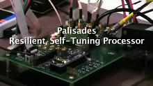 Jim Tschanz von Intel zeigt den Forschungschip 'Palisades'