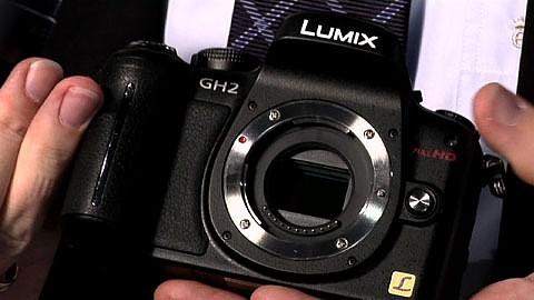 Panasonic stellt die Lumix GH 2 und das 3D-Objektiv G 12 auf der Photokina 2010 vor