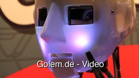 Robothespian von Engineered Arts in Aktion auf der Cebit 2011