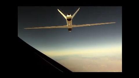 Simulation eines Auftankmanövers zwischen zwei Drohnen