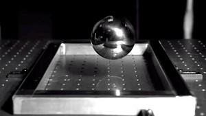 Corning testet Gorilla Glass - Herstellervideo